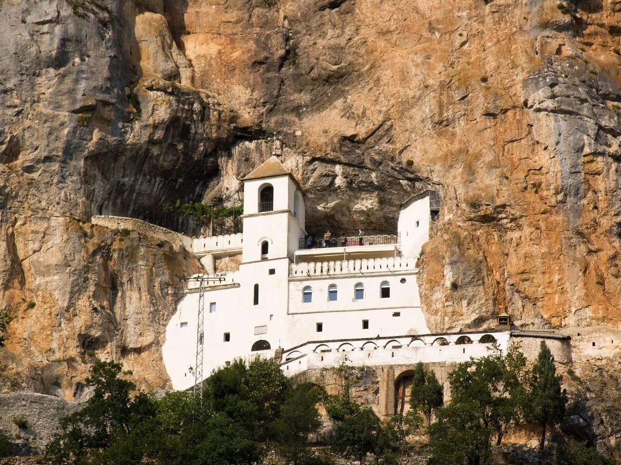 Crna-Gora-Zakon-o-s;obodi-veroispovesti-1-jpg