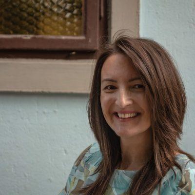 """Ana Atanasković: Spisateljica koju čitateljke zovu """"ženski Momo Kapor"""""""