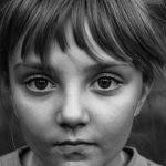 Pogledajte u oči decu Donbasa: Izložba fotografija u Galeriji Kvaka 22