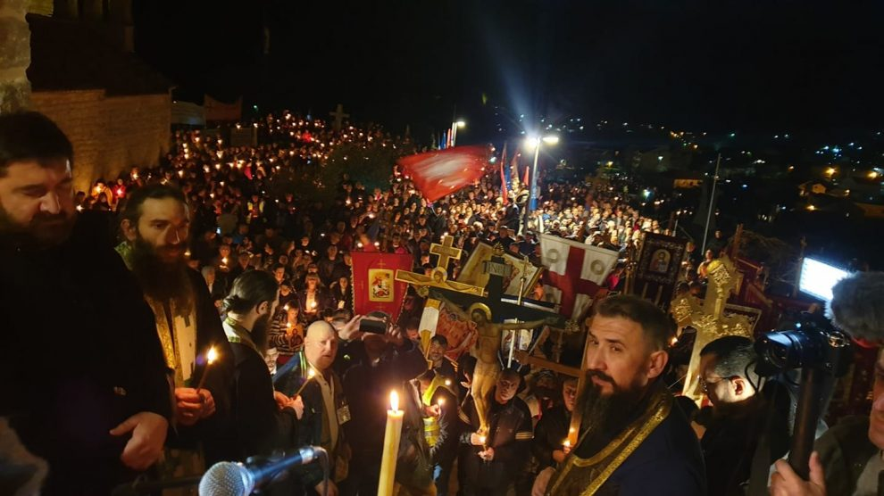 Srbi-i-vera-neobična-odnos-sa-crkvom