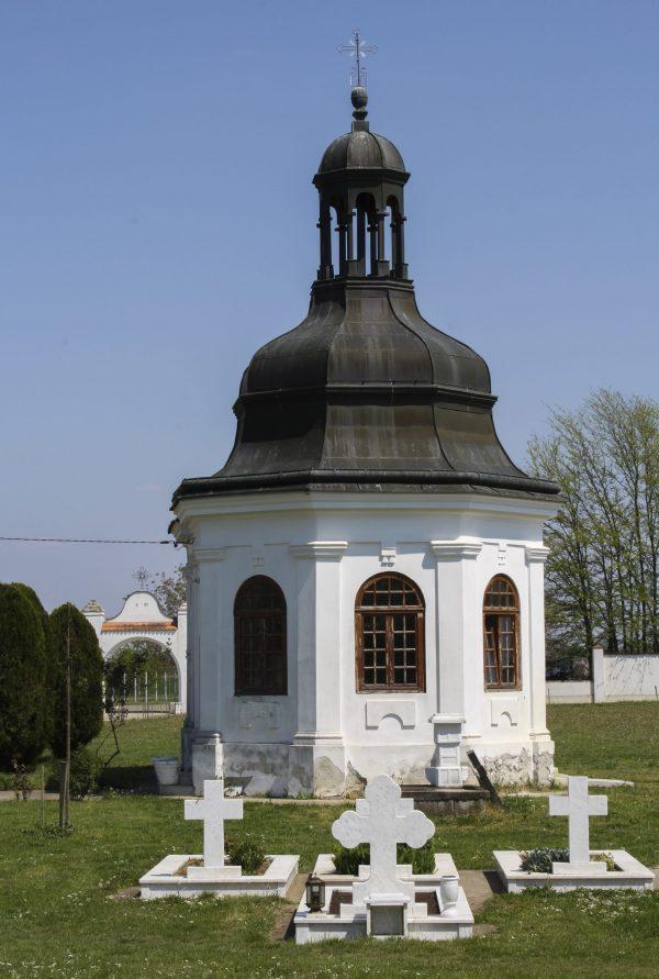 Manastir-Fenek-2jpg