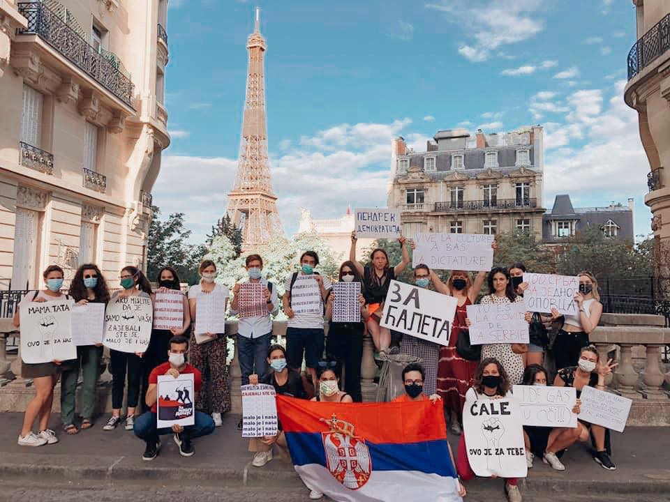Ti-si-kovid-srbije-srpski-studenti-vucic-pariz.2.jpg