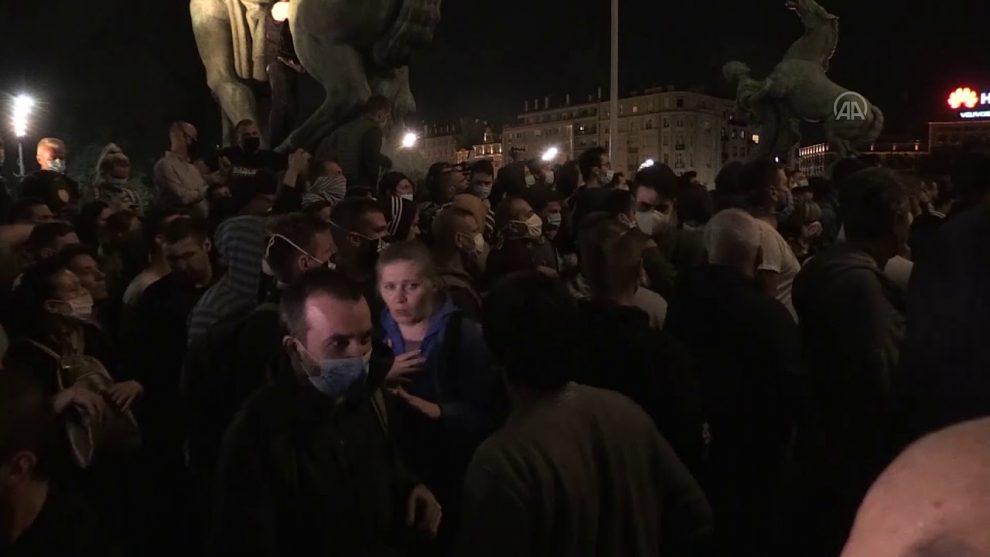 demonstracije-milicija-skupstina-srbije-beograd.jpg