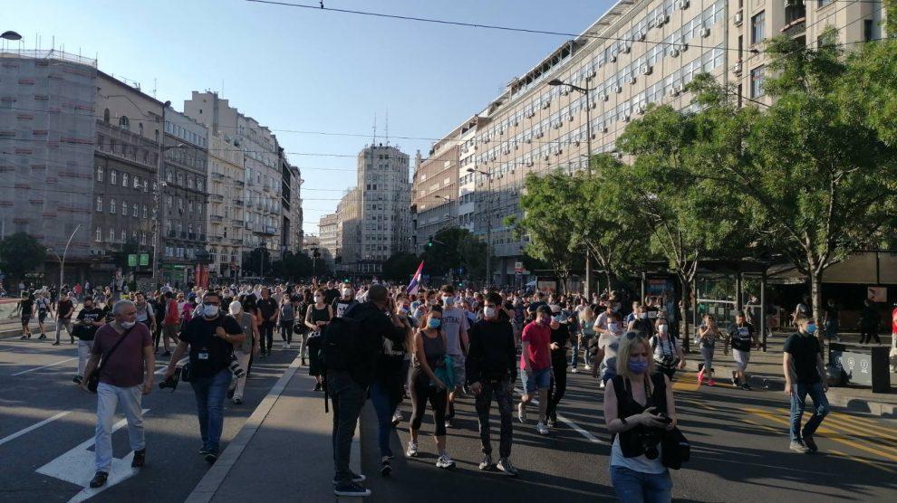 protesti-terazije-foto-slobodan-cavic.jpg
