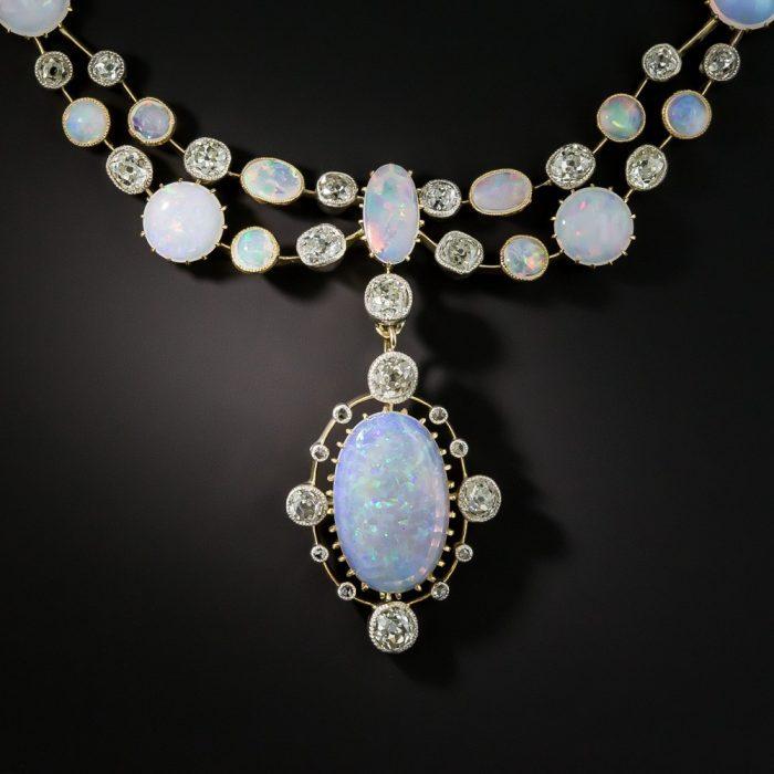Vikrorijanska-ogrlica-opal-i-dijamanti.jpg