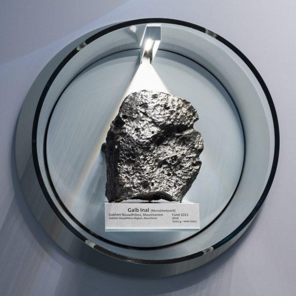 Najveci-mesecev-meterorit-Prirodnjacki-muze-Bec-izlozba-3.jpg
