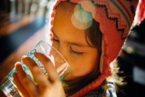 Cista-voda-za-decu-Cernobilja.jpg