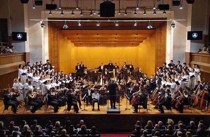 Cicesterski-psalm-sa-Beogradskom-filharmonijom.