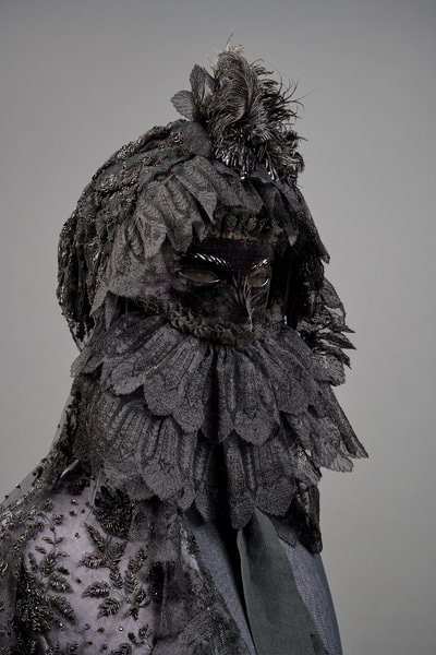 Maska-slajer-za-dane-zalosti-carice-Sisi-KHM-Museumsverband.jpg
