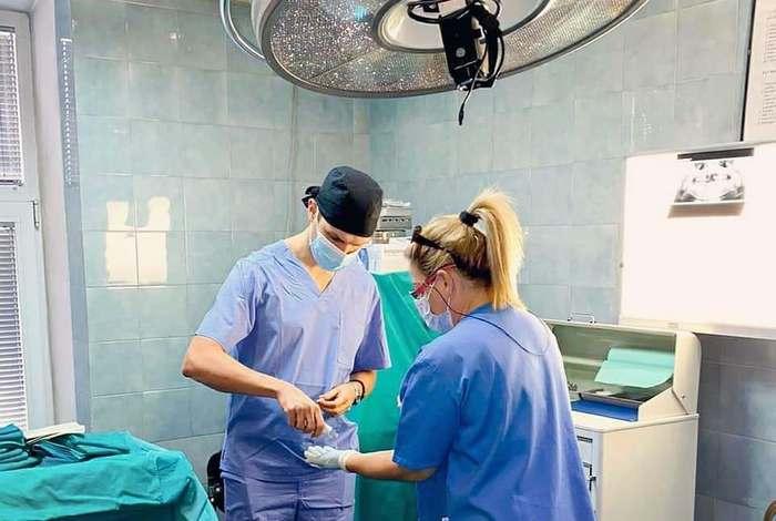 Strucno-usavrsavanje-iz-hirurgije-kod-prof-Zorana-Stajcica-jpg