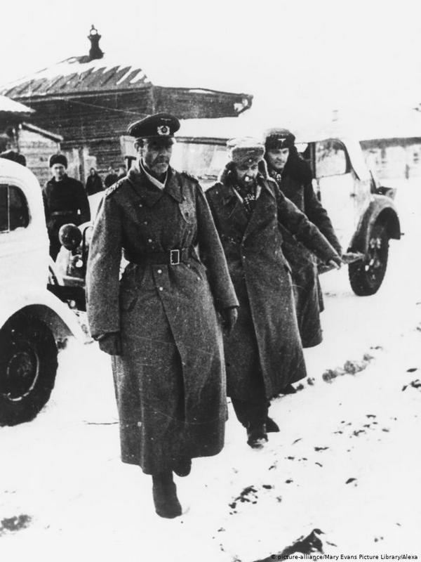 Bitka-kod-Staljingrada-generals-Paulus.jpg