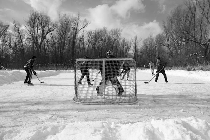 Hokej-na-zaledjenoj-reci-u-Ontariju-2-Foto-Lazar-Petrovic.jpg