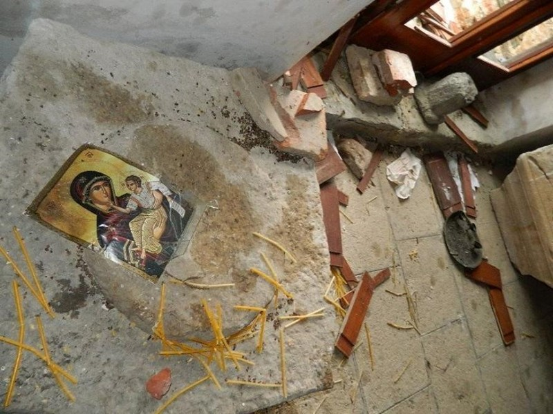 Ostecenja-u-crkvi-Uspenja-Bogorodicinog-manastir-Mateic-foto-Jasmina-S-Ciric-2.jpg