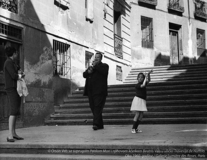 Orson-Vels-sa-suprugom-Paolom-Mori-i-njihovom-kcerkom-Beatris-Vels-Galerie-Lumiere-des-Roses-Paris-jpg