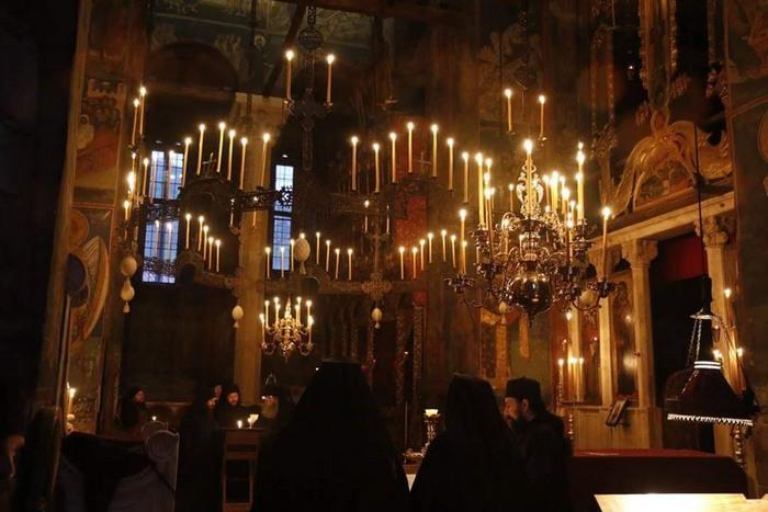 Polijelej-Decani-foto-sa-sajta-manastira-Decani.jpg