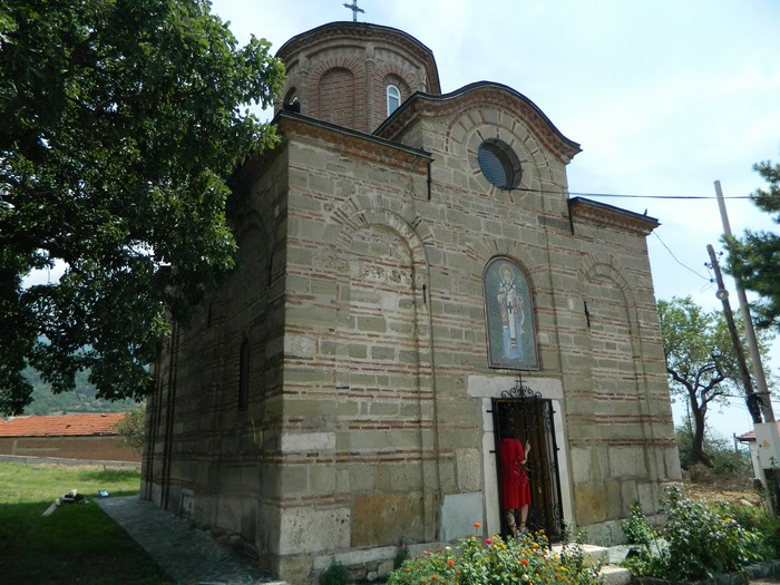 Autor teksta kod portala crkve, foto Milutin Stancic