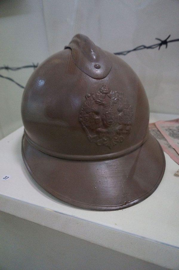 srpski-Adrijana-slem-nosen-od-strane-srpskih-vojnika-na-Kajmacalanu-jpg
